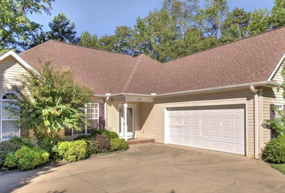 127 Inlet Pointe Dr. Anderson, SC