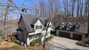 621 Pointe Wildwood Drive, Seneca, South Carolina 29678, 5 Bedrooms Bedrooms, ,4 BathroomsBathrooms,Residential,For Sale,Pointe Wildwood,20200520