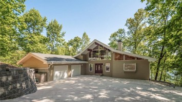 213 Riverlake Road, Fair Play, South Carolina 29643, 3 Bedrooms Bedrooms, ,3 BathroomsBathrooms,Residential,For Sale,Riverlake,20202559