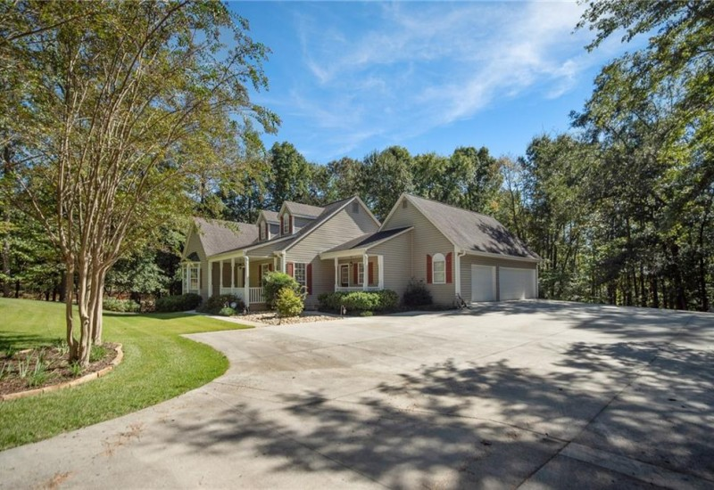 4400 Denver Cove Road, Anderson, SC 29625, 4 Bedrooms Bedrooms, ,3 BathroomsBathrooms,Residential,For Sale,Denver Cove,20209216