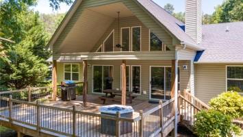 366 Lakeshore Drive, Fair Play, SC 29643, 3 Bedrooms Bedrooms, ,2 BathroomsBathrooms,Residential,For Sale,Lakeshore,20228826