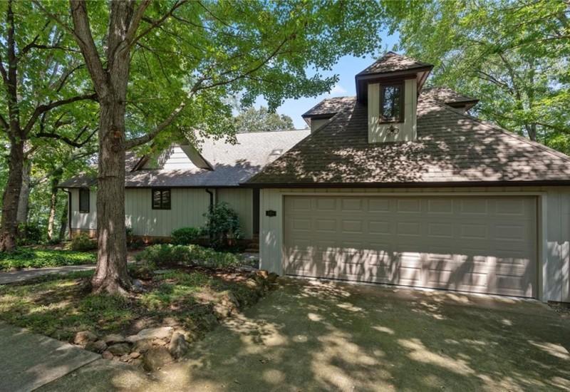 306 Seneca Drive, Townville, SC 29689, 4 Bedrooms Bedrooms, ,4 BathroomsBathrooms,Residential,For Sale,Seneca,20229827