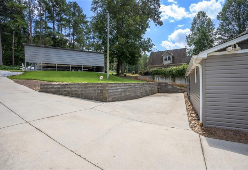 210 Lake Hills Drive, Townville, SC 29689, 2 Bedrooms Bedrooms, ,1 BathroomBathrooms,Residential,For Sale,Lake Hills,20231580
