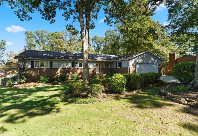 421 Broadwater Circle, Anderson, SC 29626, 5 Bedrooms Bedrooms, ,3 BathroomsBathrooms,Residential,For Sale,Broadwater,20233105