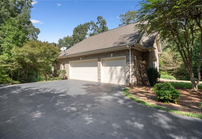116 Topsail Drive, Anderson, SC 29625, 4 Bedrooms Bedrooms, ,3 BathroomsBathrooms,Residential,For Sale,Topsail,20232389