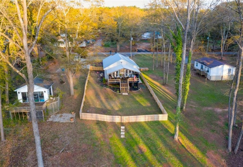 409 Lakewood Drive, Townville, SC 29689, 1 Bedroom Bedrooms, ,1 BathroomBathrooms,Residential,For Sale,Lakewood,20234610